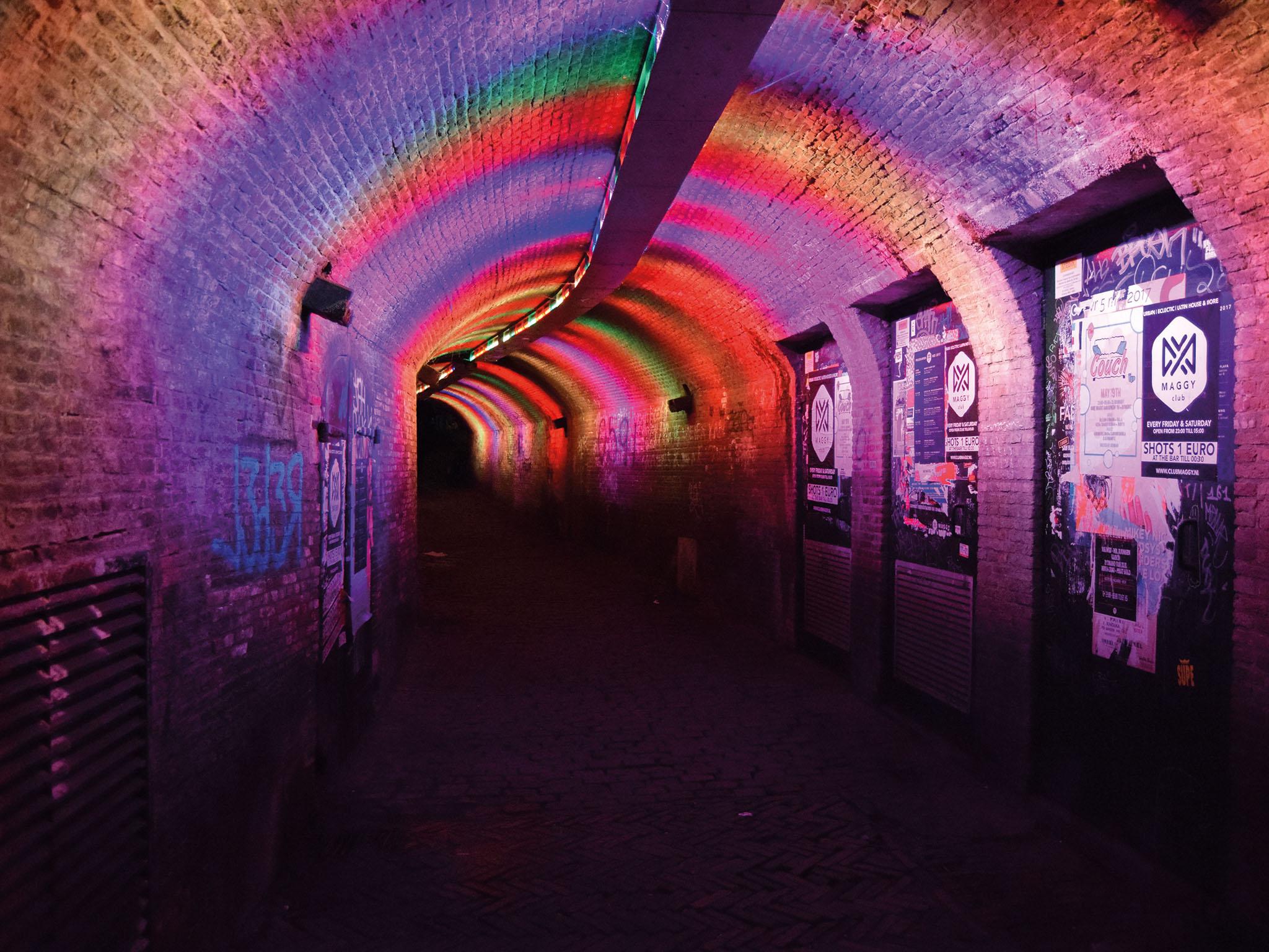 Verlichte tunnel Utrecht